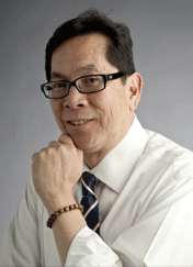 A picture of Dr. Chong